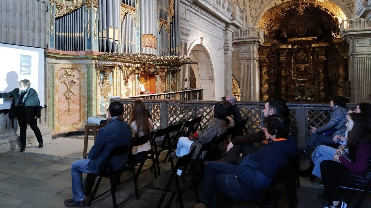 O programa incluiu un concerto de órgano no coro alto con pezas dos poetas do Rexurdimento.