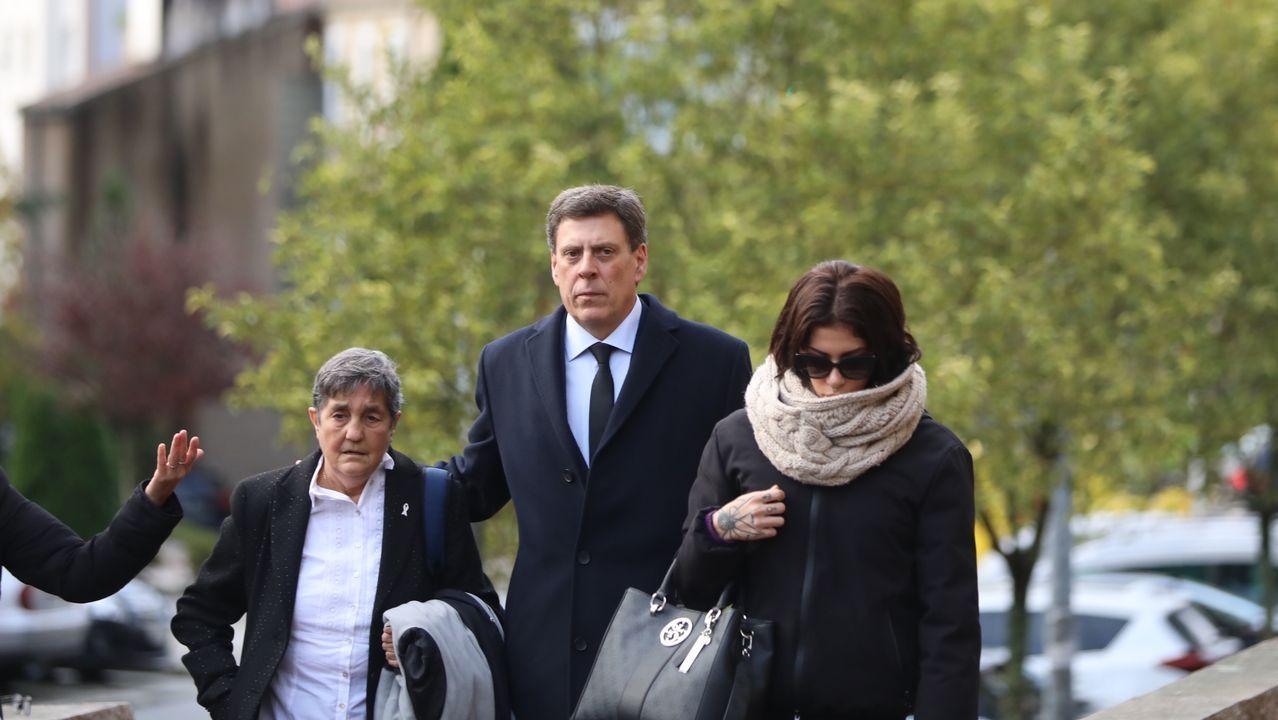 Juan Carlos Quer y su hija Valeria llegando al juzgado
