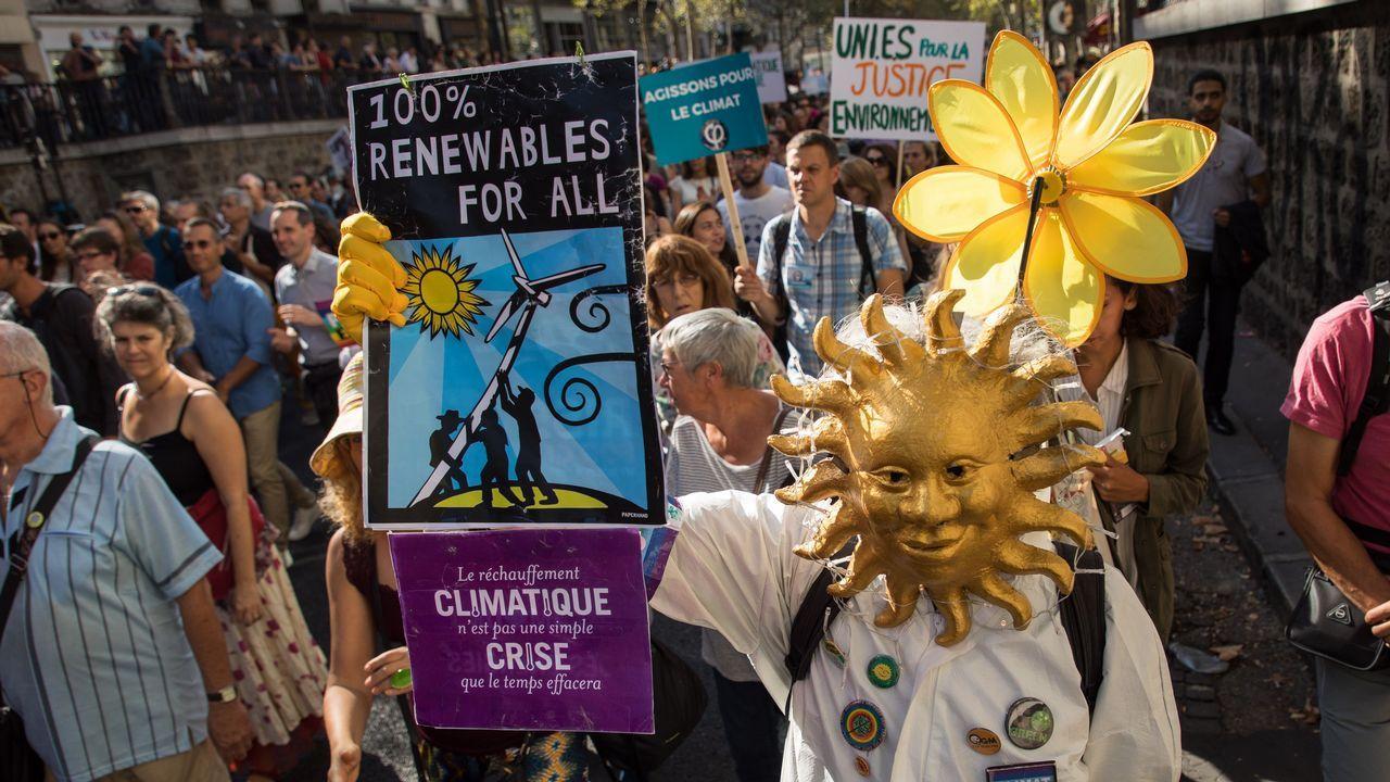 Los activistas exigen una respuesta política al cambio climático.Activistas de Greenpeace en el World Coal Leaders Network 2018