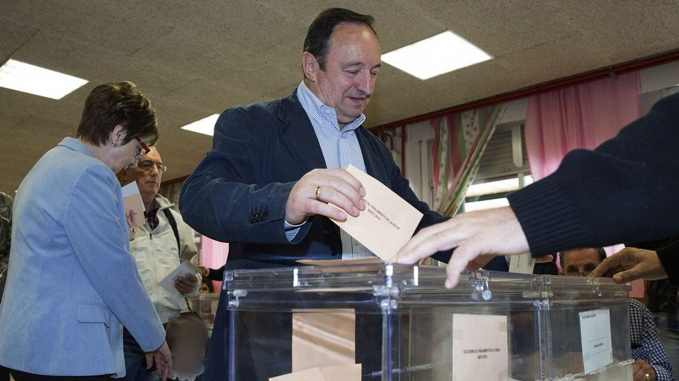 El rifirrafe a cuenta de la corrupción entre Pablo Iglesias y Rajoy.José Ignacio Ceniceros. La Rioja. El presidente del Gobierno de La Rioja se impuso 109 votos a Gamarra, alcaldesa de Logroño.