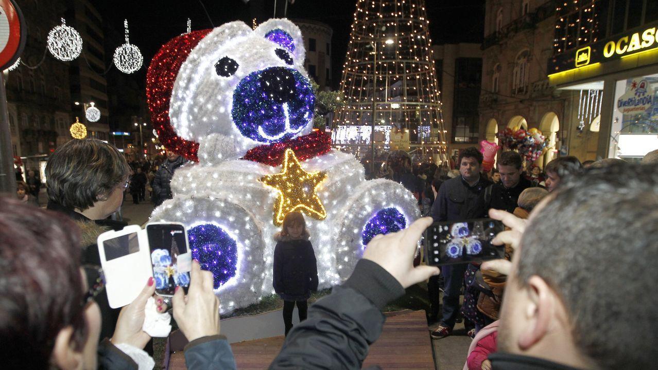 El boom de las fotos con los móviles han sido también protagonistas de las navidades vigueas. Imagen del 2016