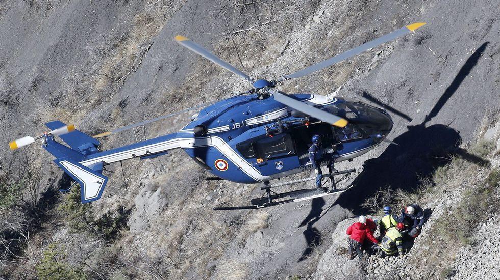 El presidente de Lufthansa pide perdón en su visita la zona del accidente