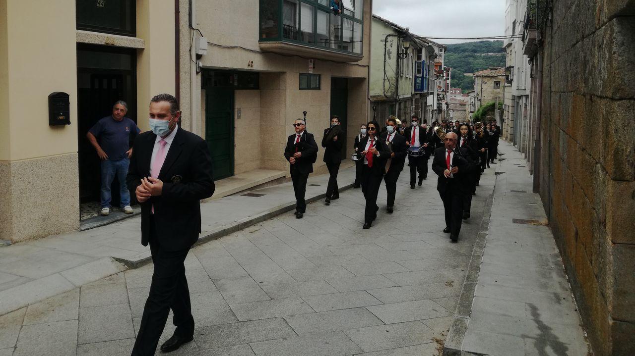 Homenaje de la banda de Celanova a su presidente