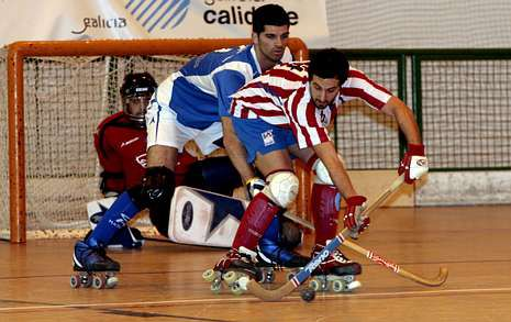 Imagen del partido de liga entre el Patín Cerceda y el Mataró en el González Laxe (1-0).