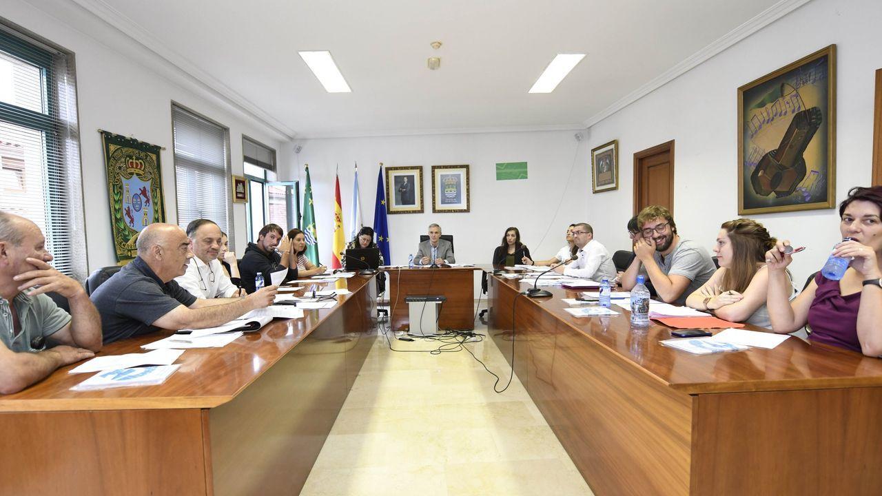 En directo: rueda de prensa de Alberto Núñez Feijoo.Empleados de la Xunta en la sede central de San Caetano