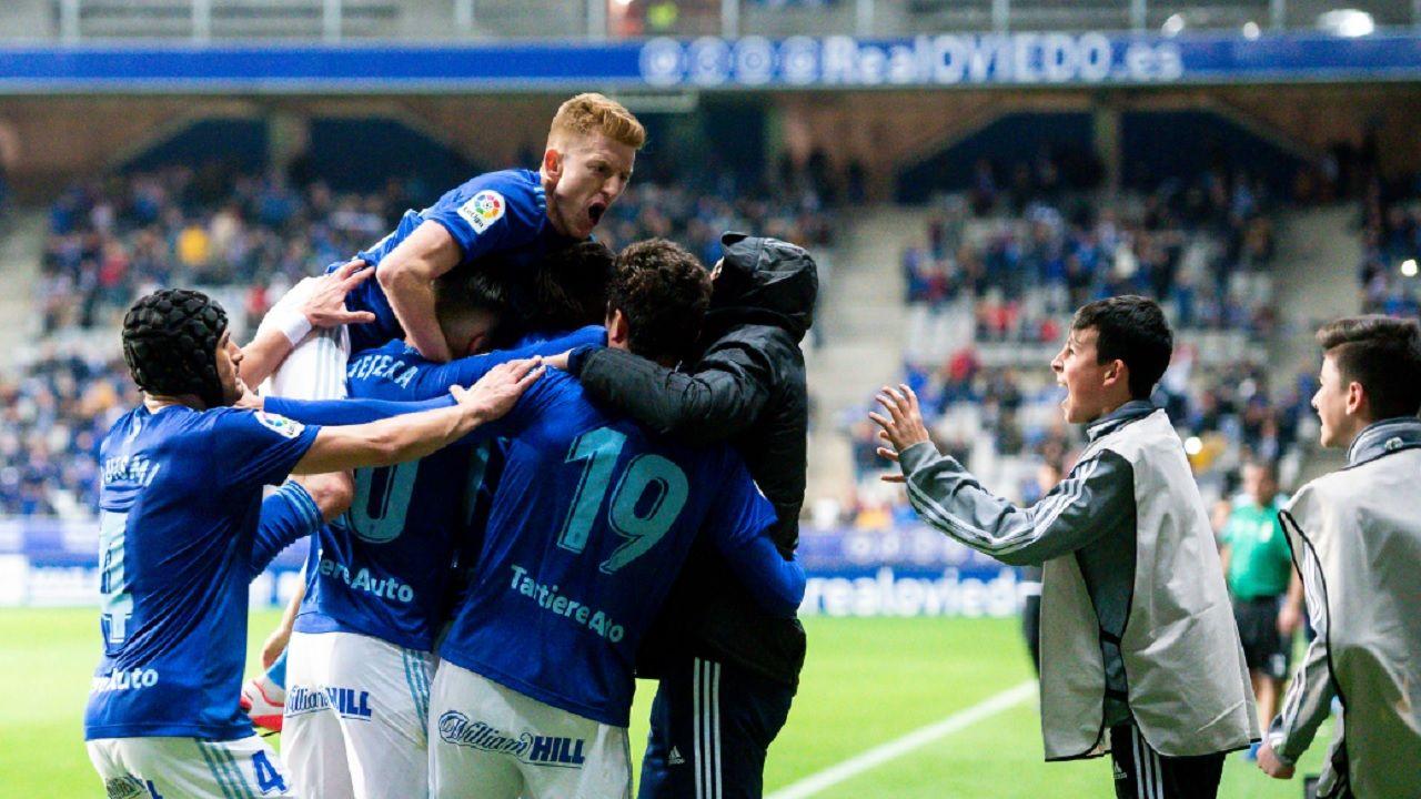 Los futbolistas azules celebran el gol de Rodri ante el Tenerife