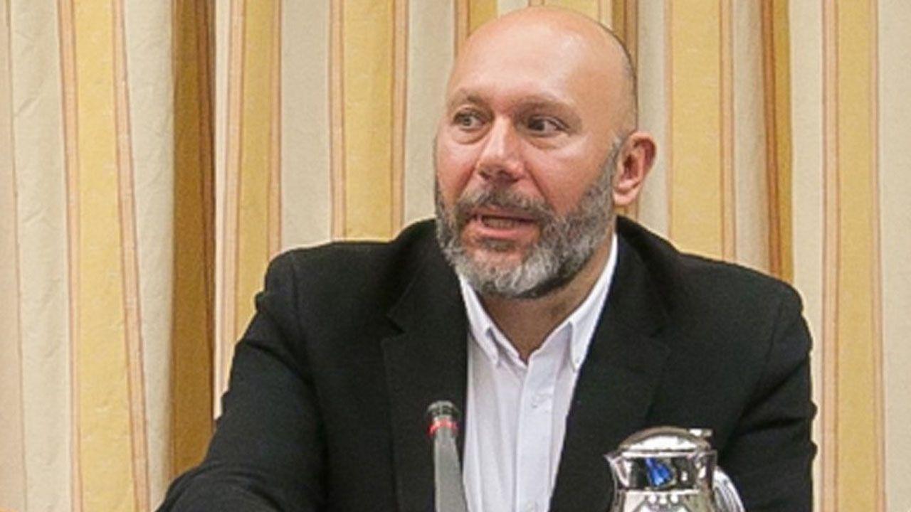 Sede de Izquierda Unida (IU) de Asturias.Ricardo Sixto, diputado en el Congreso, que encabeza una corrient crítica de IU