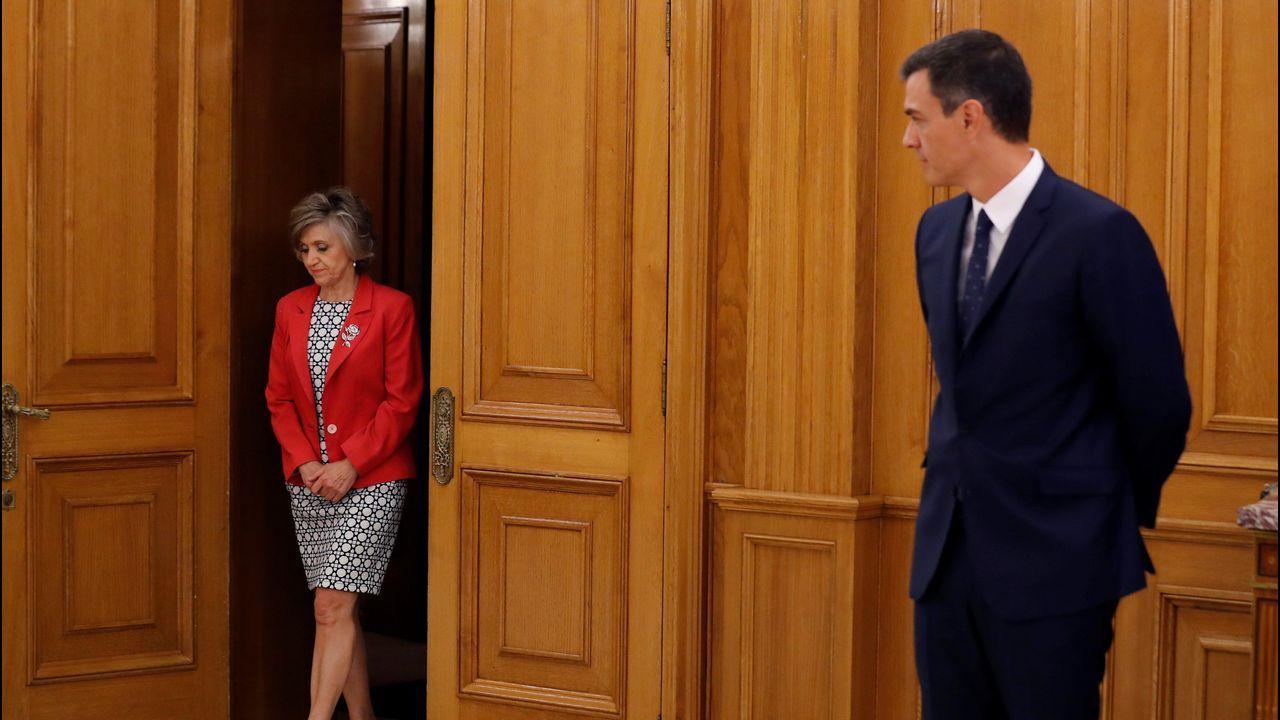 ¿Está zanjada la crisis de la tesis?.Sánchez asistió ayer a la toma de posesión de María Luisa Carcedo como ministra de Sanidad