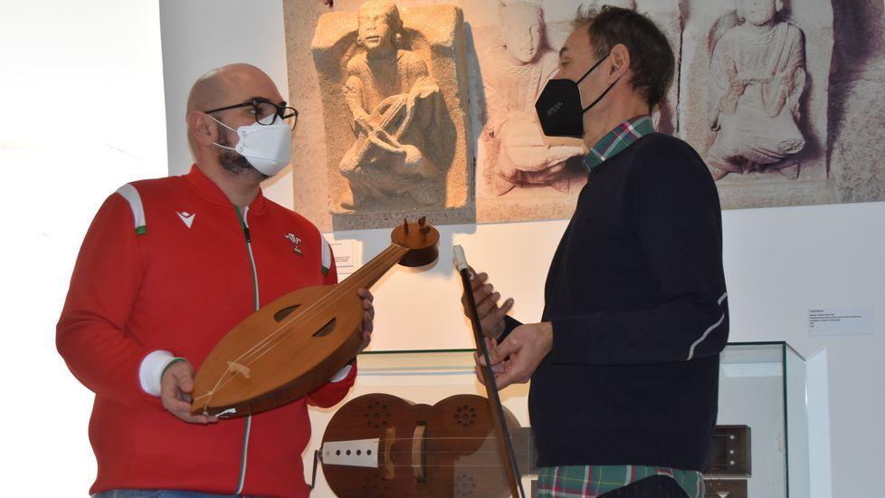 Efrén Castro e Luciano Pérez, na presentación da mostra itinerante «A memoria do son».
