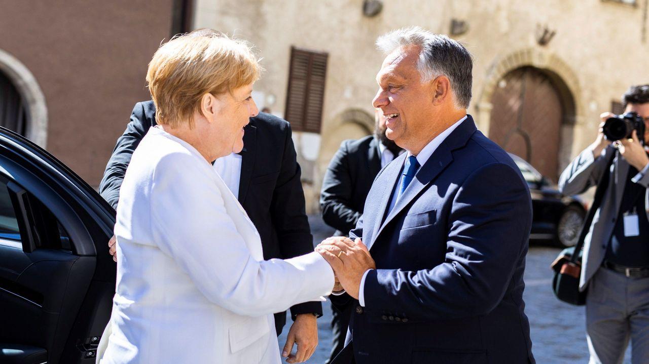 Merkel y Orbán conmemoran en Sopron la primera gran fuga pacífica de ciudadanos de la Alemania comunista en 1989