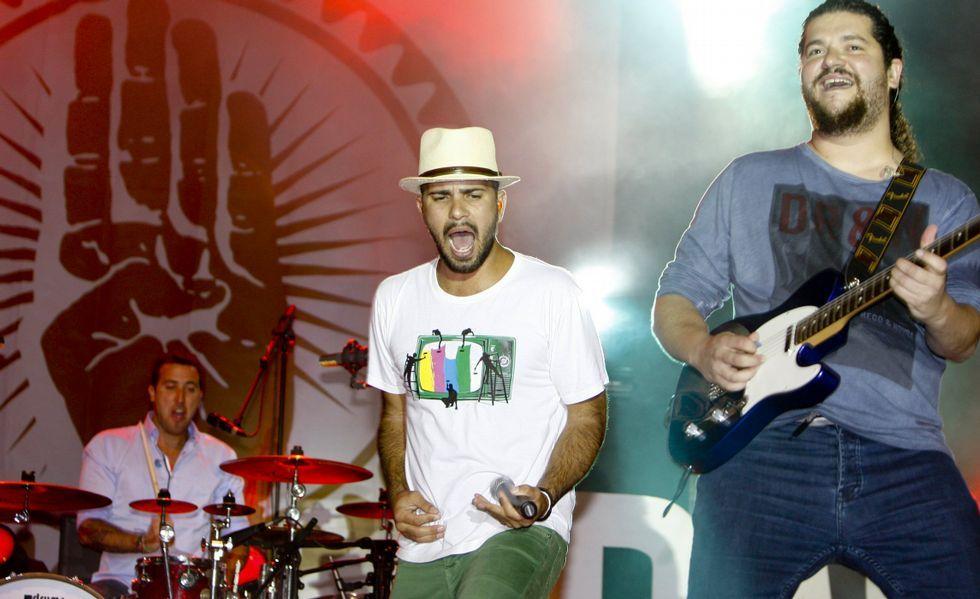 Los canarios Efecto Pasillo actuarán esta noche en A Quintana