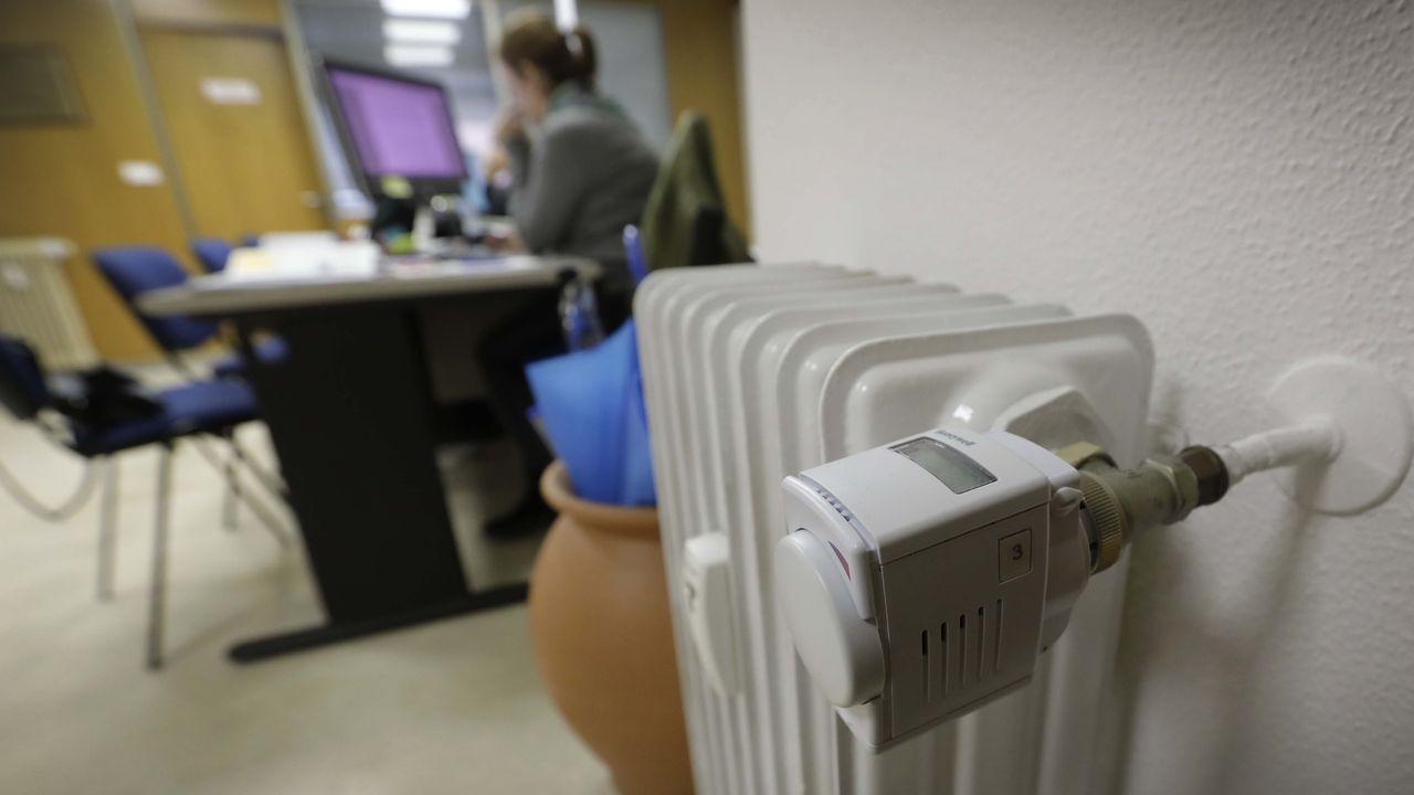 Repartidor de costes en uno de los radiadores de la sede del Colegio de Administradores de Fincas de Galicia, en A Coruña