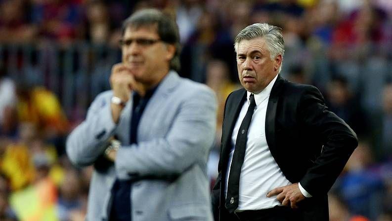 Martino y Ancelotti, durante el Barça-Madrid