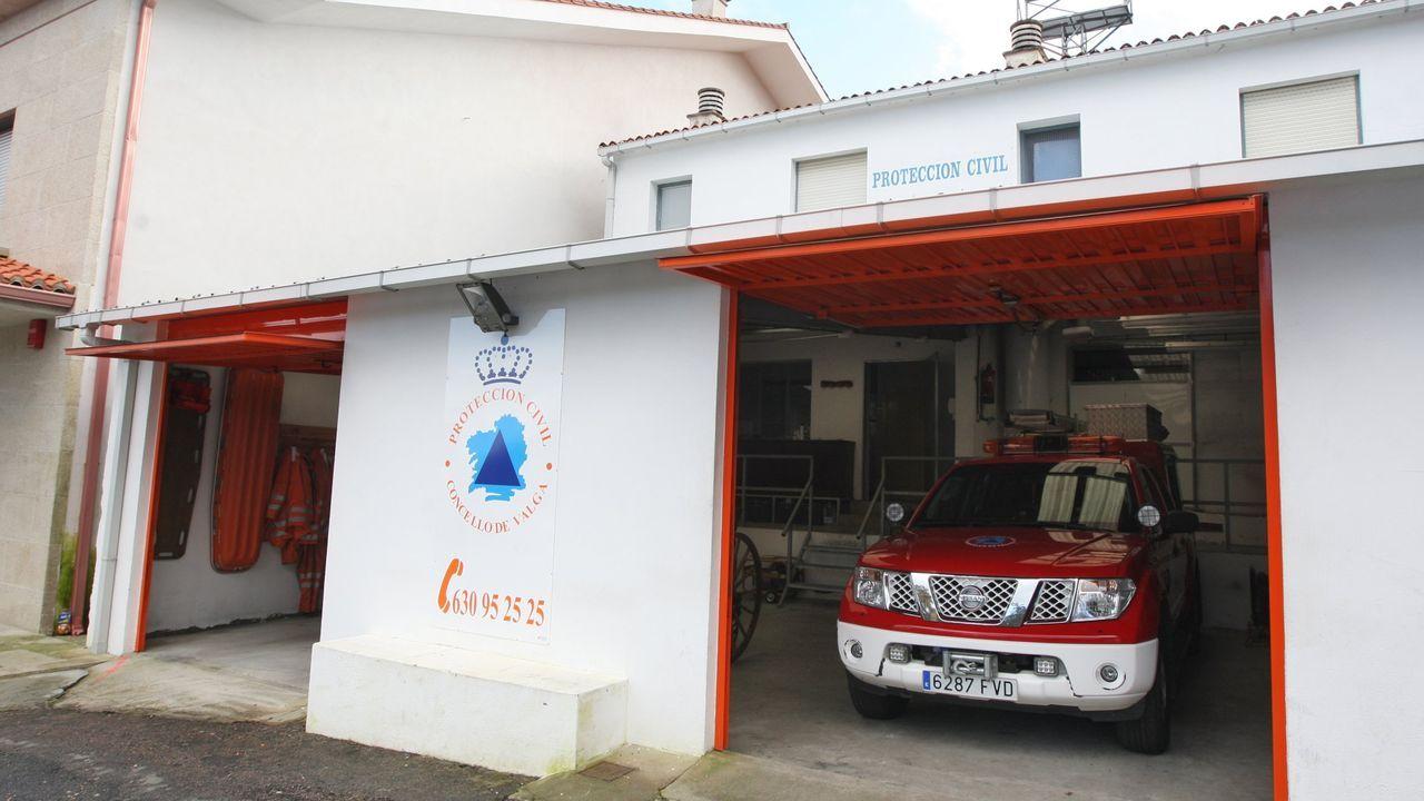 Protección Civil de Valga, el grupo de emergencias de Padrón, el 061 y Tráfico acudieron a cubrir el accidente del ciclista