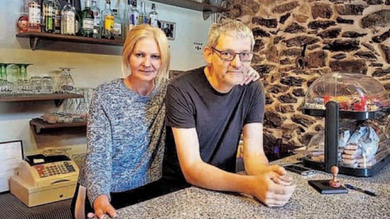 Ria Meinema y Ton Jonssen, matrimonio holandés del albergue de Ponte Ferreira