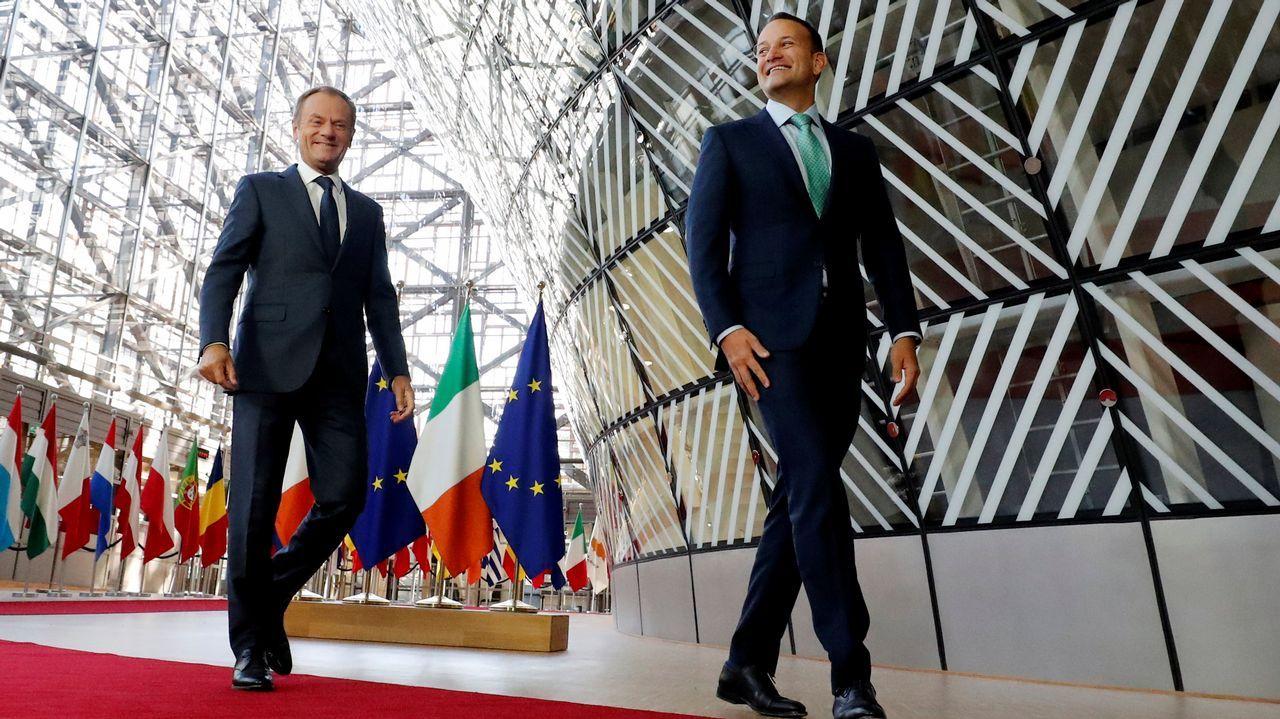 Tusk con el primer ministro irlandés, Teo Varadkar, en la sede del Consejo Europeo