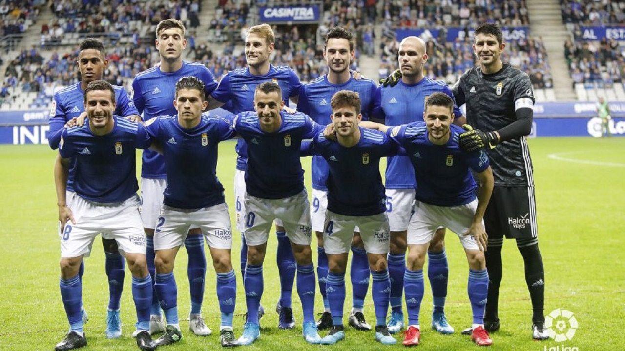 Once del Real Oviedo ante el Almería