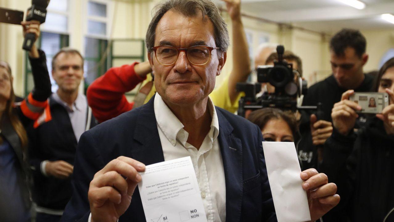 Referendo ilegal en Cataluña. Artur Mas