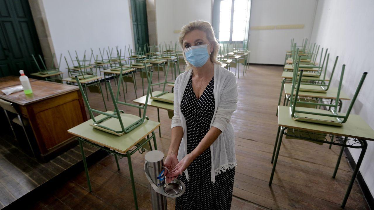 La directora del Eusebio da Guarda, Isabel Ruso, en un aula