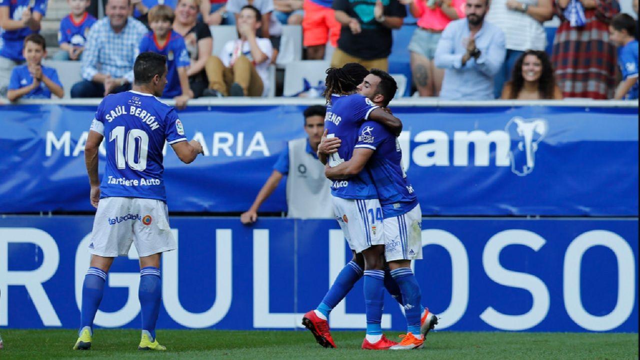 Gol Joselu Boateng Saul Berjon Real Oviedo Elche Carlos Tartiere.Joselu, Boateng y Saul Berjon celebran el 1-1 ante el Elche