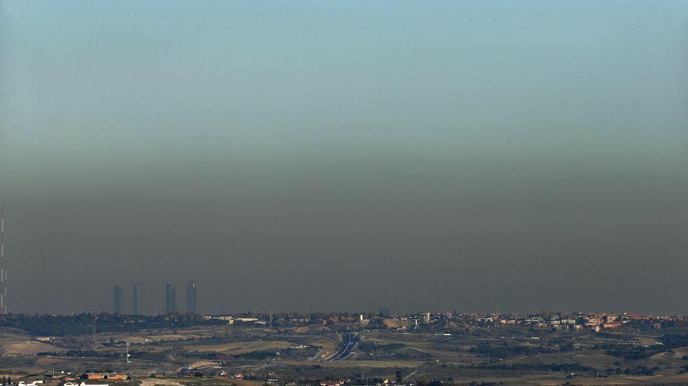 Vista de Madrid, este jueves, en la que se aprecia la contaminación sobre la ciudad
