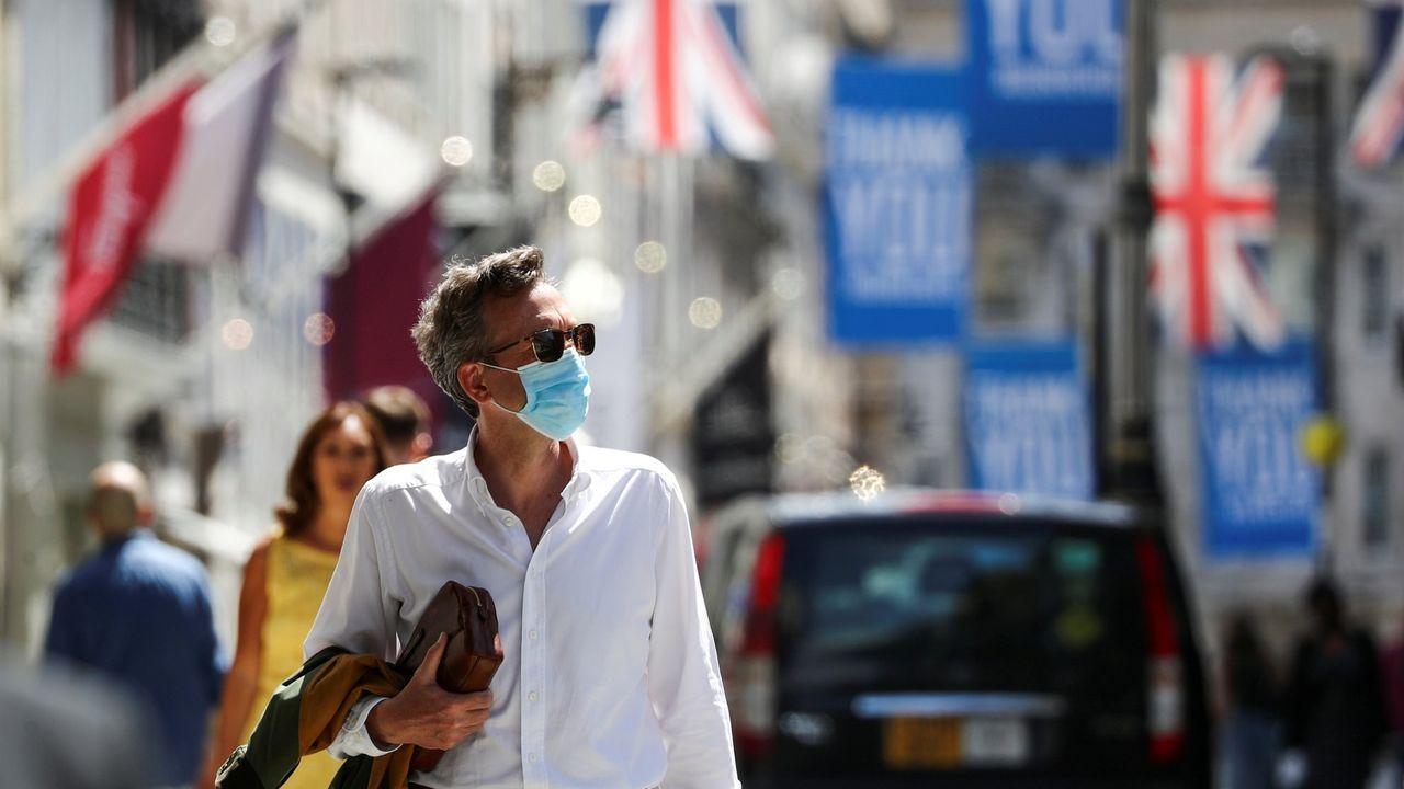 El epidemiólogo Juan Gestal responde: ¿Cuándo podremos volver a la normalidad?.Trump, en un momento en el que se saca la mascarilla después de regresar a la Casa Blanca