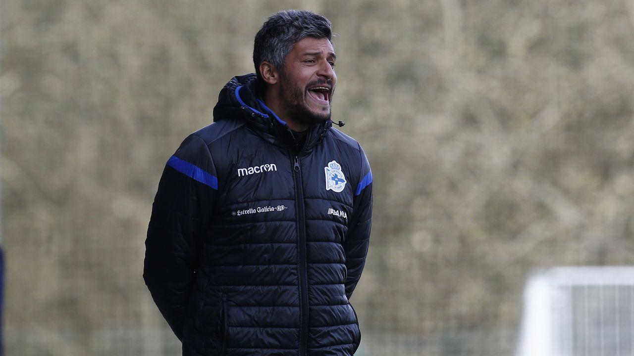 Valentini Horizontal.Los jugadores del Tenerife celebran un gol al Nàstic