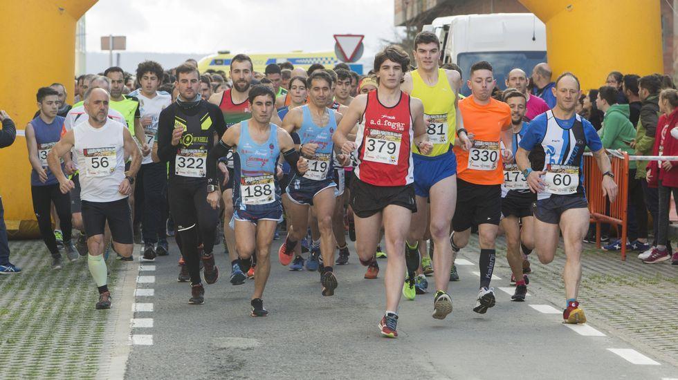 Más de trescientos atletas en la V carreira pedrestre do Anllóns en Carballo