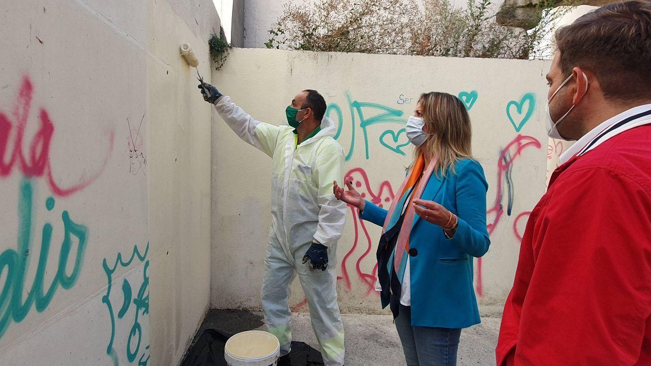 El Concello de Lugo ofrece un servicio de limpieza de las fachadas con pintadas