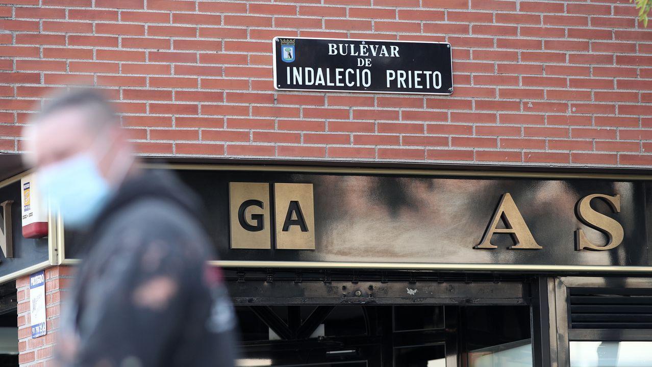 Placa del bulevar Indalecio Prieto, en Madrid, que el Ayuntamiento quiere retirar