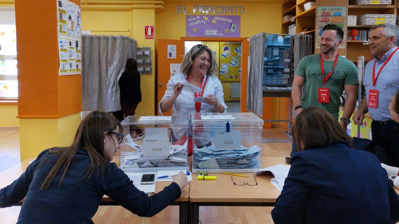 La diputada Montse García Chavarri votó en As Pontes, su localidad