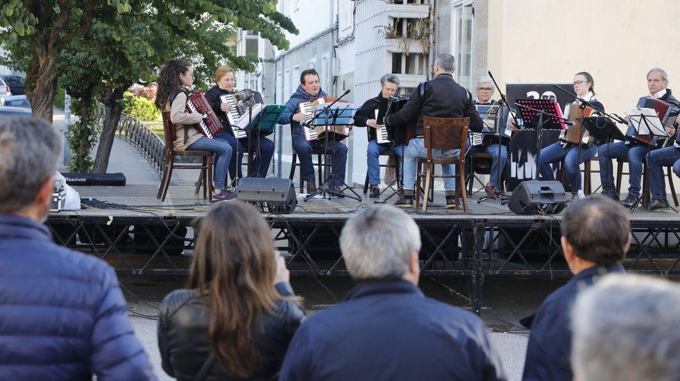 El grupo de acordeones Bieito Blanco actuará en A Peroxa el día 5