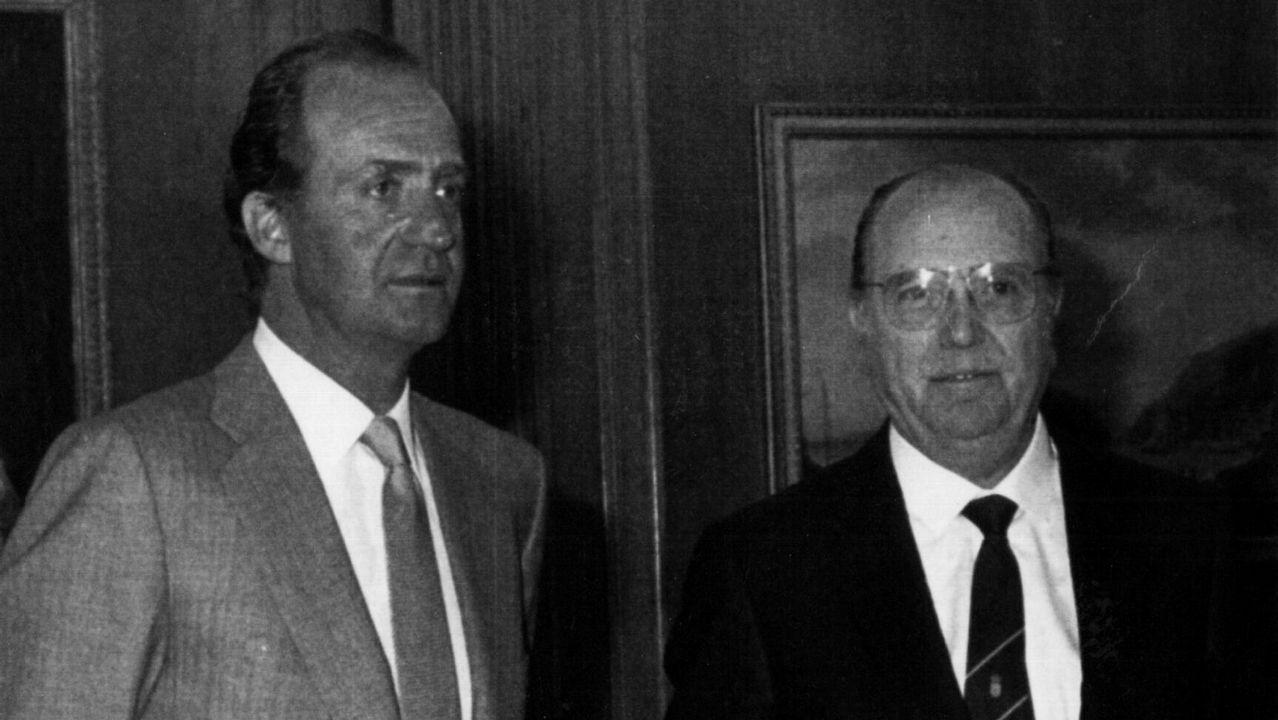 Fernández Albor junto al rey Juan Carlos