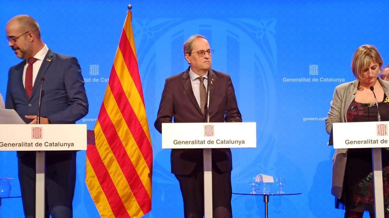 Un funcionario ofrece sus pagas extras y anima a seguir su ejemplo.Felipe VI, durante la reunión del miércoles con Pedro Sánchez y el Comité de Gestión Técnica del Coronavirus en la Zarzuela el 18 de marzo de 2020.
