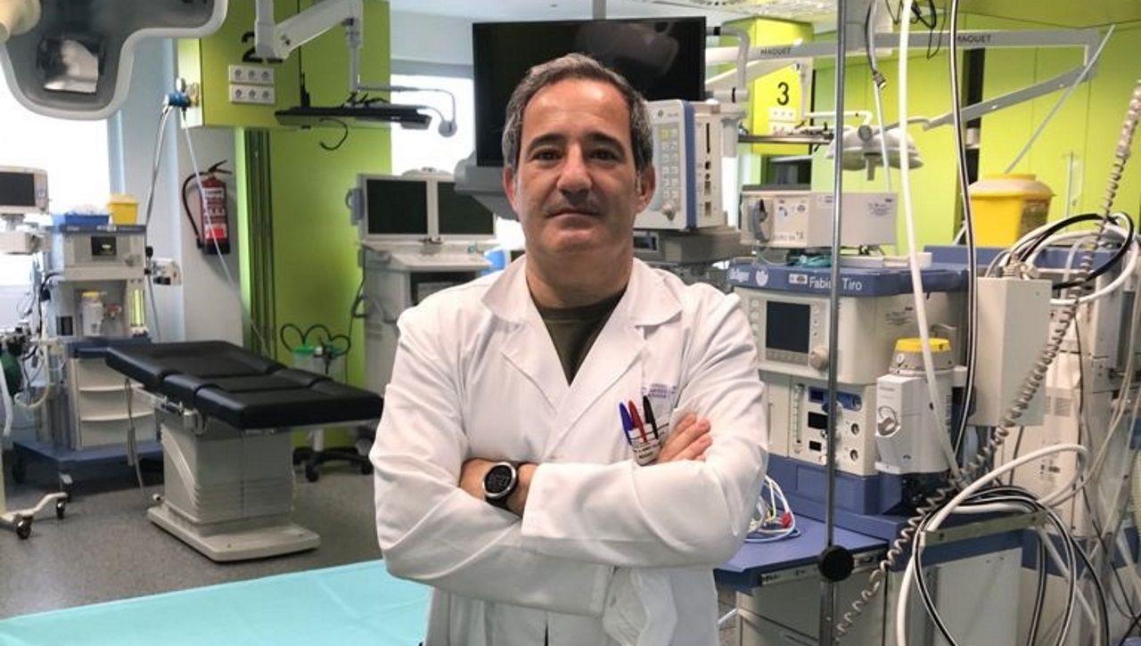 Vacunación de mayores en Expocoruña.Manuel Gómez Tellado, jefe de cirugía pediátrica del Hospital Teresa Herrera (Chuac) de A Coruña