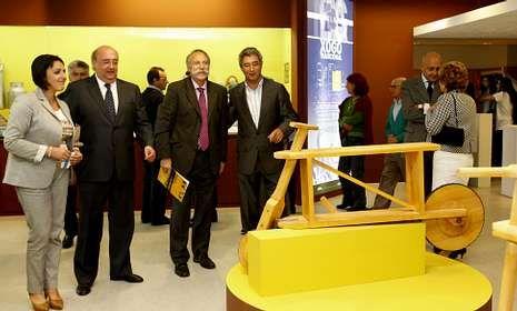 Zaira Rodríguez, José Luis Fondo, Pérez y Verdes, y Manuel Varela durante la inauguración.
