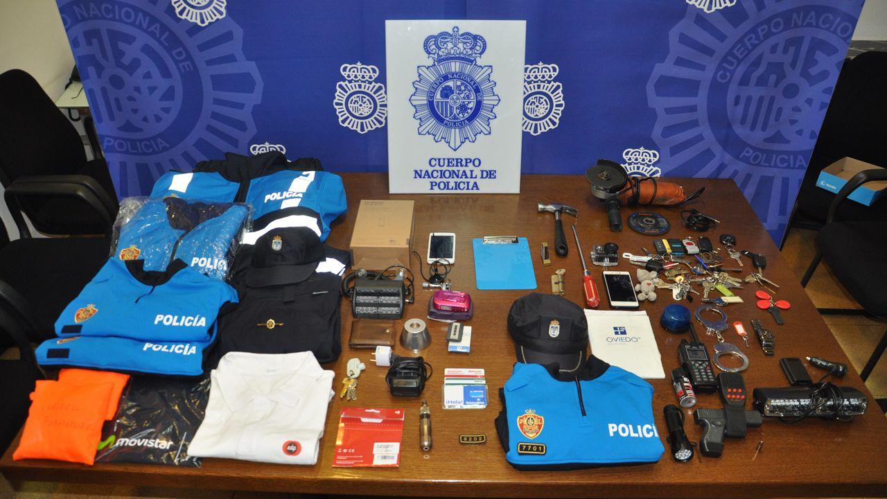 Prendas y objetos intervenidos por la Policía