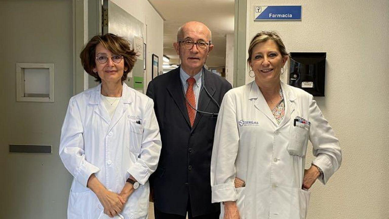 Isaura Penin con otros farmaceuticos en la sde del Marcide