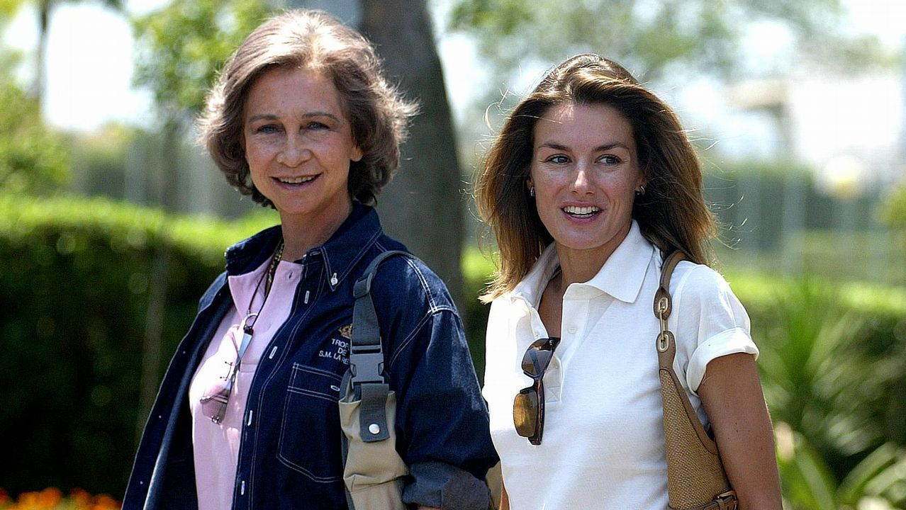 Con su nuera en Valencia en 2004