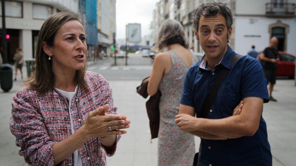 La estiba gallega desmiente sus privilegios y exige subrogación del personal y formación.El ministro de Fomento, Íñigo de la Serna Hernáiz.