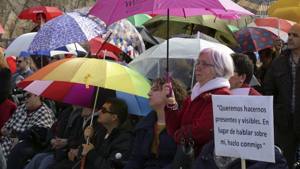 Día Internacional de las personas con Discapacidad, con apertura de paraguas conmemorativos en el Parrote