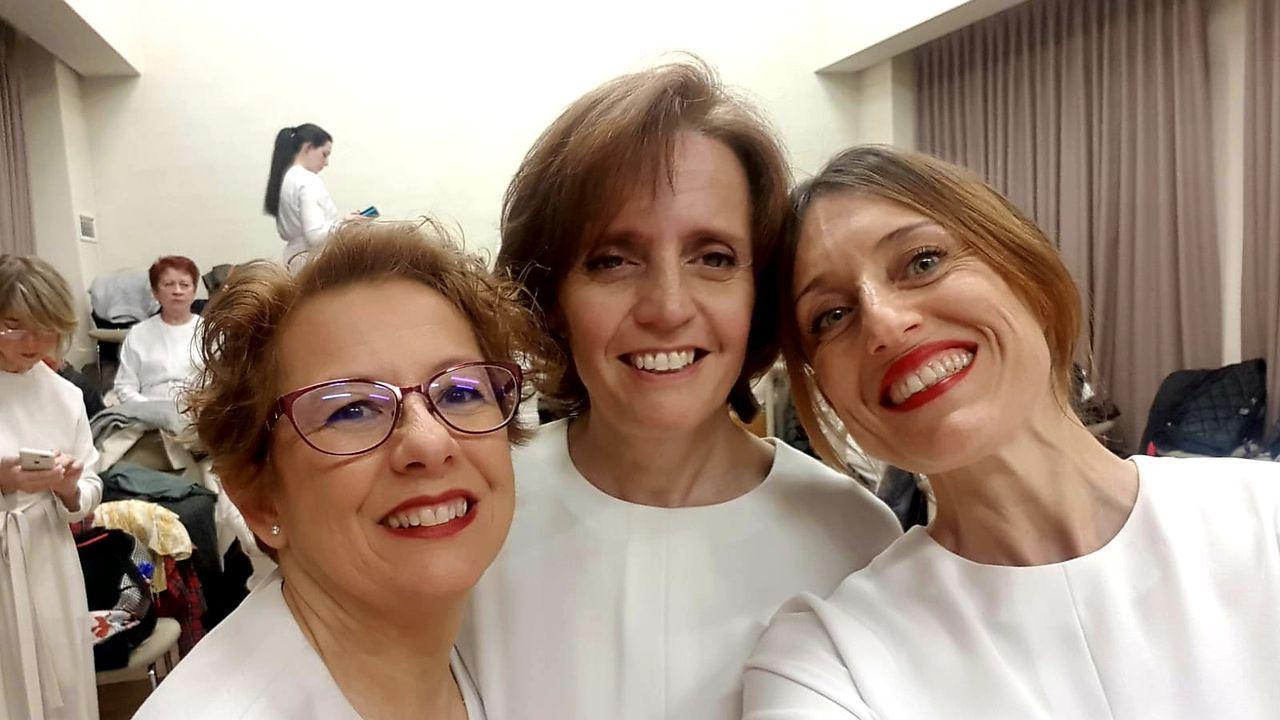 Los alumnos del IES Sofía Casanova que participan en el proyecto LÓVA vistaron ayer el Jofre para familiarizarse con el escenario en el que estrenarán su ópera