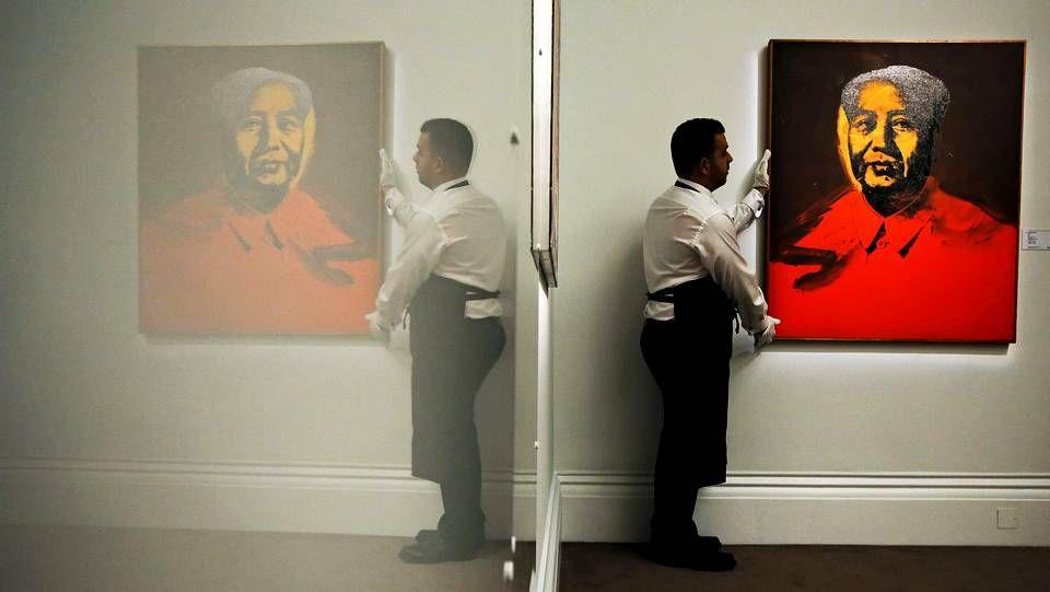 xx.«Mao» (1973), de Andy Warho en la sede de la casa de subastas Sotheby's en Londres el pasado mes de enero