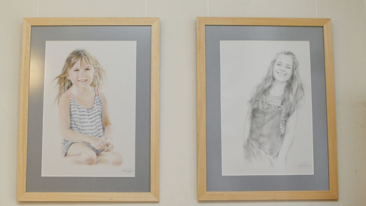 En la imagen, los retratos de sus hijas, Carmen y Blanca