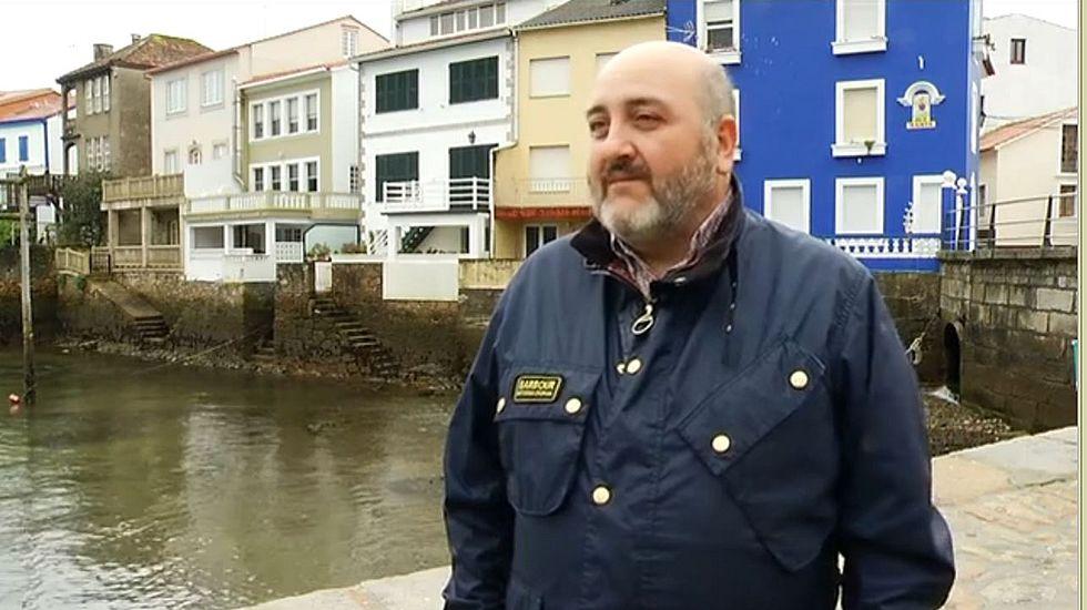 Almodóvar llegando a Alvedro para rodar en Galicia.Almodóvar, durante su visita a Redes el mes pasado