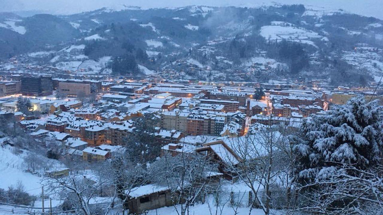 Nieve en Oviedo.Mieres bajo un manto blanco