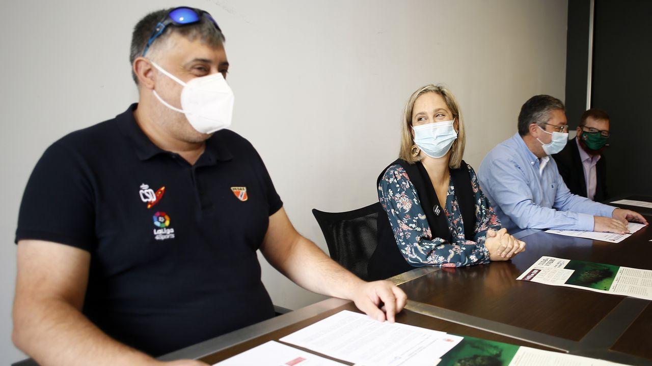 Antón López, de Fedas, la alcaldesa María Loureiro, el concejal de Mar Jesús Fernández y Alejandro Prieto, de la UNED Lugo, presentaron este martes el foro