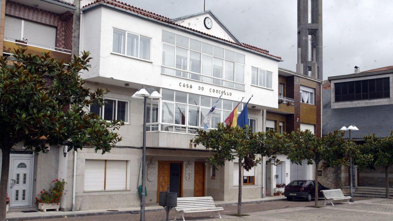 Visita a las obras del nuevo complejo deportivo de Campolongo.A Isabel Díaz Ayuso no le cuadran las cuentas de la Comunidad de Madrid