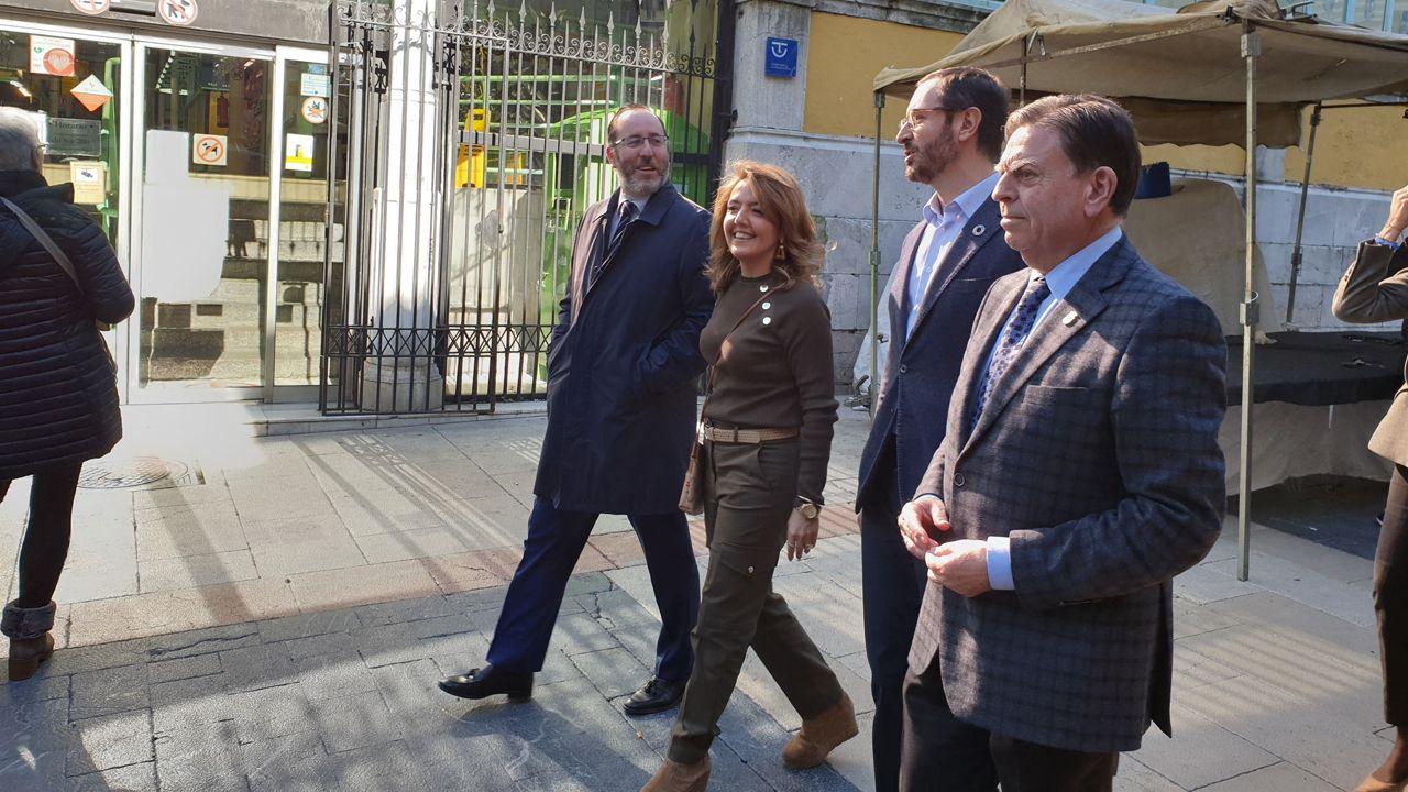 Teresa Mallada, Javier Maroto y Alfredo Canteli