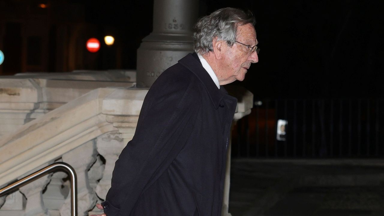 El arquitecto Rafael Moneo a su llegada al funeral del empresario Plácido Arango, fallecido el pasado 17 de febrero a los 88 años, este miércoles en los Jerónimos, en Madrid. EFE/JUANJO MARTÍN